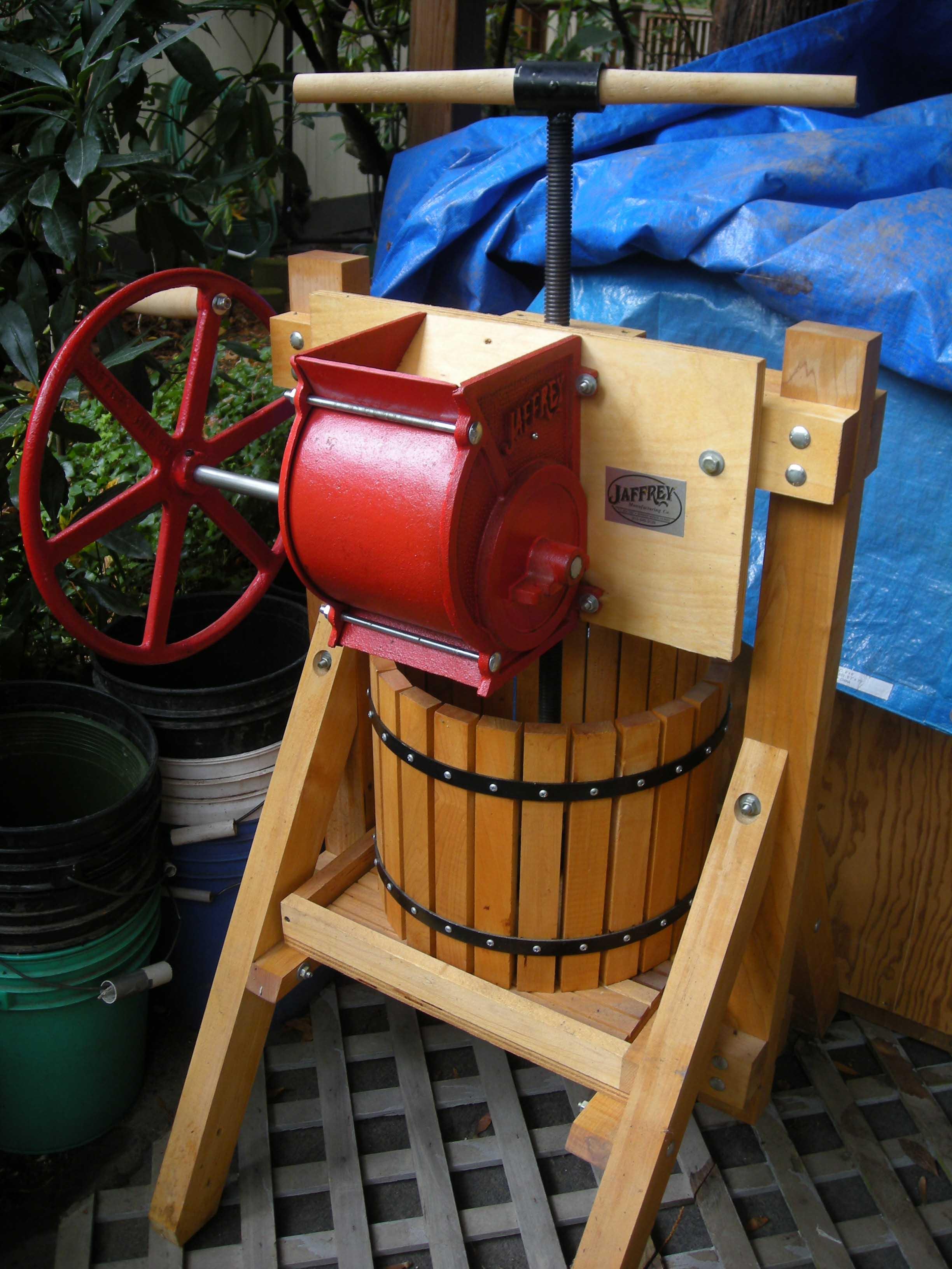 How to Build a Cider Press - DIY 1